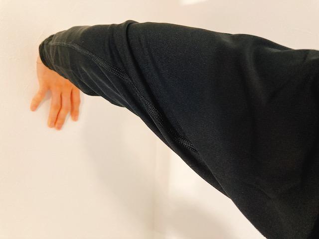手首をストレッチで柔らかくして、しなやかな投げ方を手に入れよう