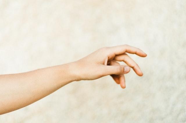 【これでダーツは滑らない】乾燥した手にはハンドクリームが一番