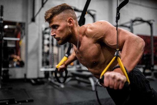 デメリットは筋肉痛のときのダーツ【上腕三頭筋と上腕二頭筋に注意】