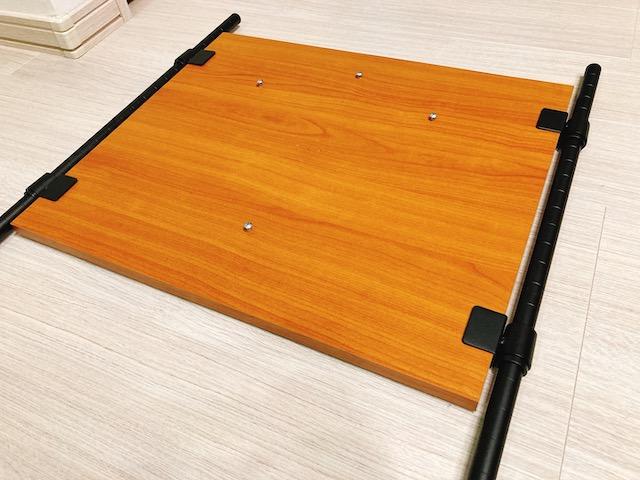 【ブリッツァー ダーツスタンド】の組み立て②:ダーツホルダー・支柱D・バックボードを取り付ける
